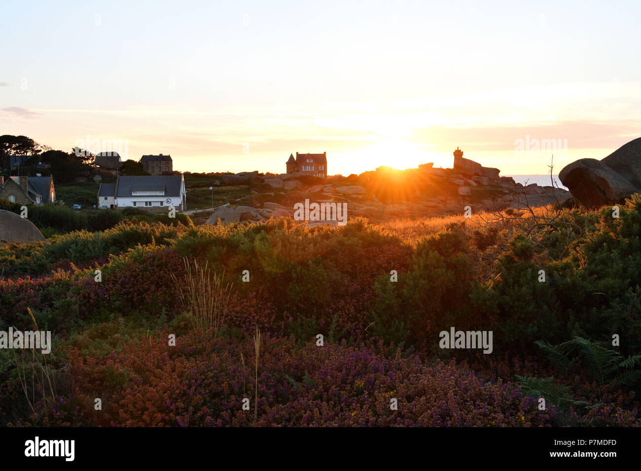 France, Cotes d'Armor, Perros Guirec, Ploumanac'h, Pink Granite coast (cote de Granit Rose), pointe de Squewel Stock Photo