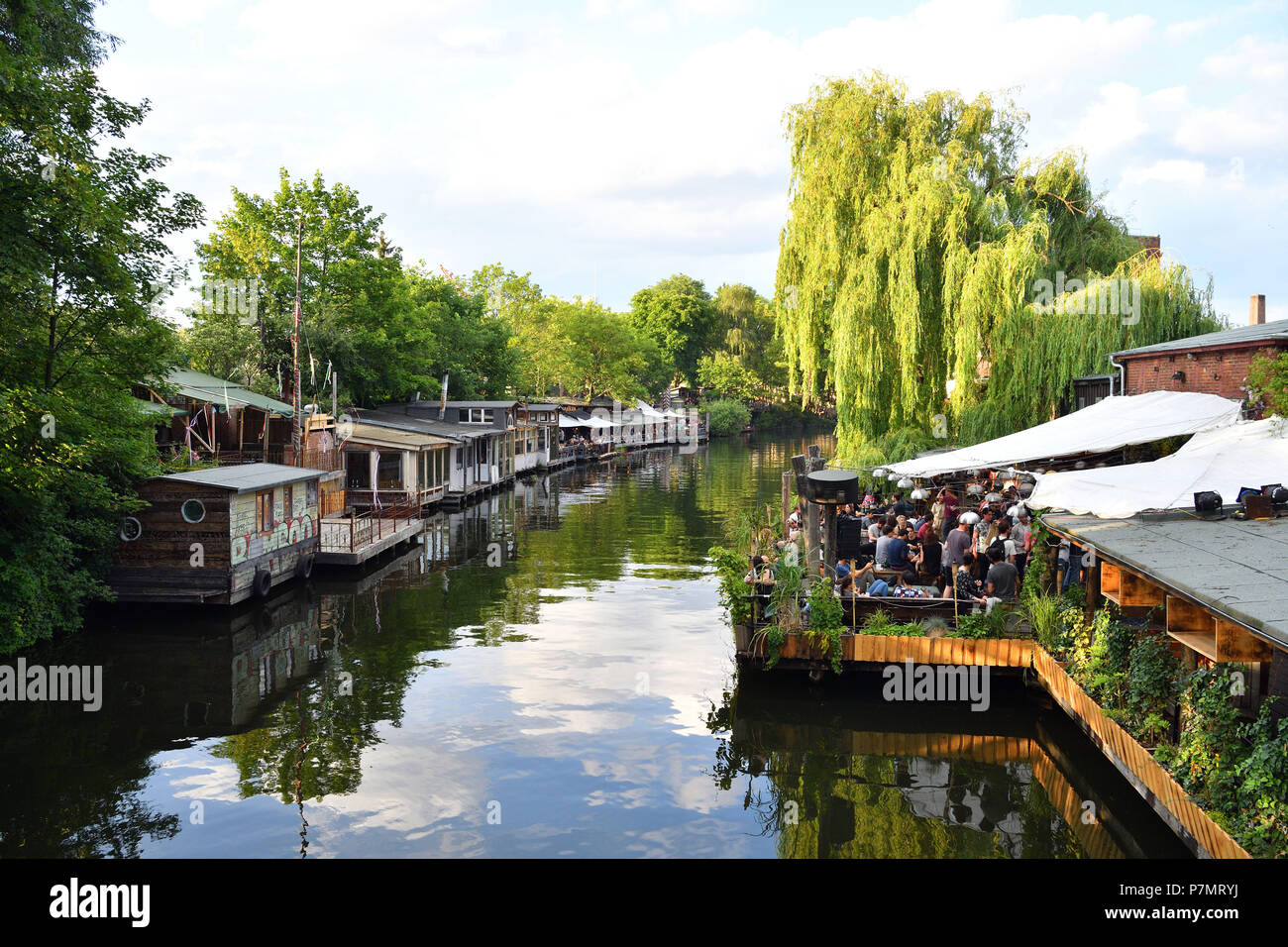 Germany, Berlin, district of Kreuzberg, coffee night club: Club der Visionäre along the Landwehrkanal at Flutgraben - Stock Image