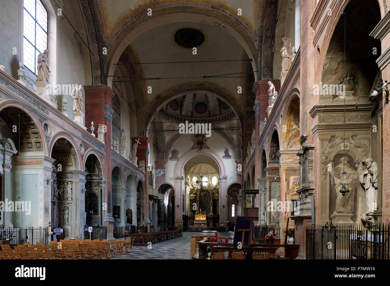 Italy, Emilia Romagna, Bologna, the old town, San Giacomo Maggiore ...