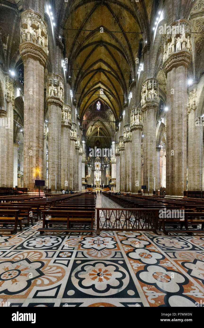 Italy, Lombardy, Milan, Piazza del Duomo, the Cathedral of the Nativity of the Holy Virgin (Duomo) built between the 14th century and the 19th century is the third largest church in the world Stock Photo