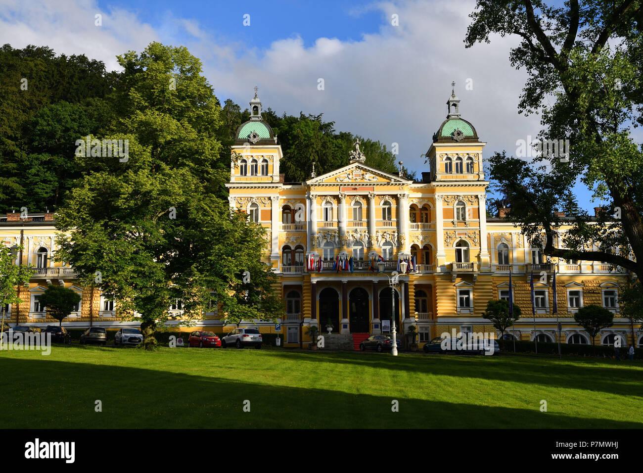 Czech Republic, Western Bohemia, Marianske Lazne (Marienbad), thermal city, Luxury hotel Nove Lázne, new spa - Stock Image