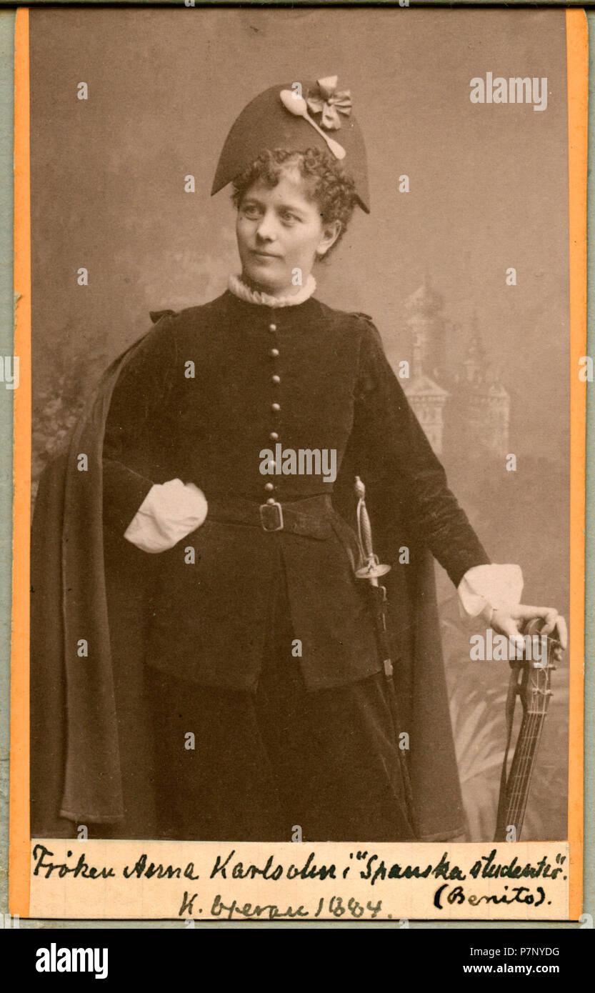 Anna Karlsohn som Benito i Spanska studenter, Kungliga Operan 1884 22 Anna Karlsohn, rollporträtt - SMV - H4 207 - Stock Image