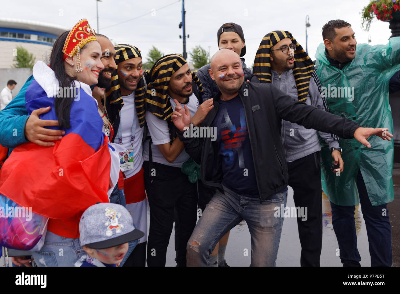 St. Petersburg, Russia - June 19, 2018: Egyptian and Russian football fans make photo at Saint Petersburg Stadium before the FIFA World Cup 2018 match - Stock Image