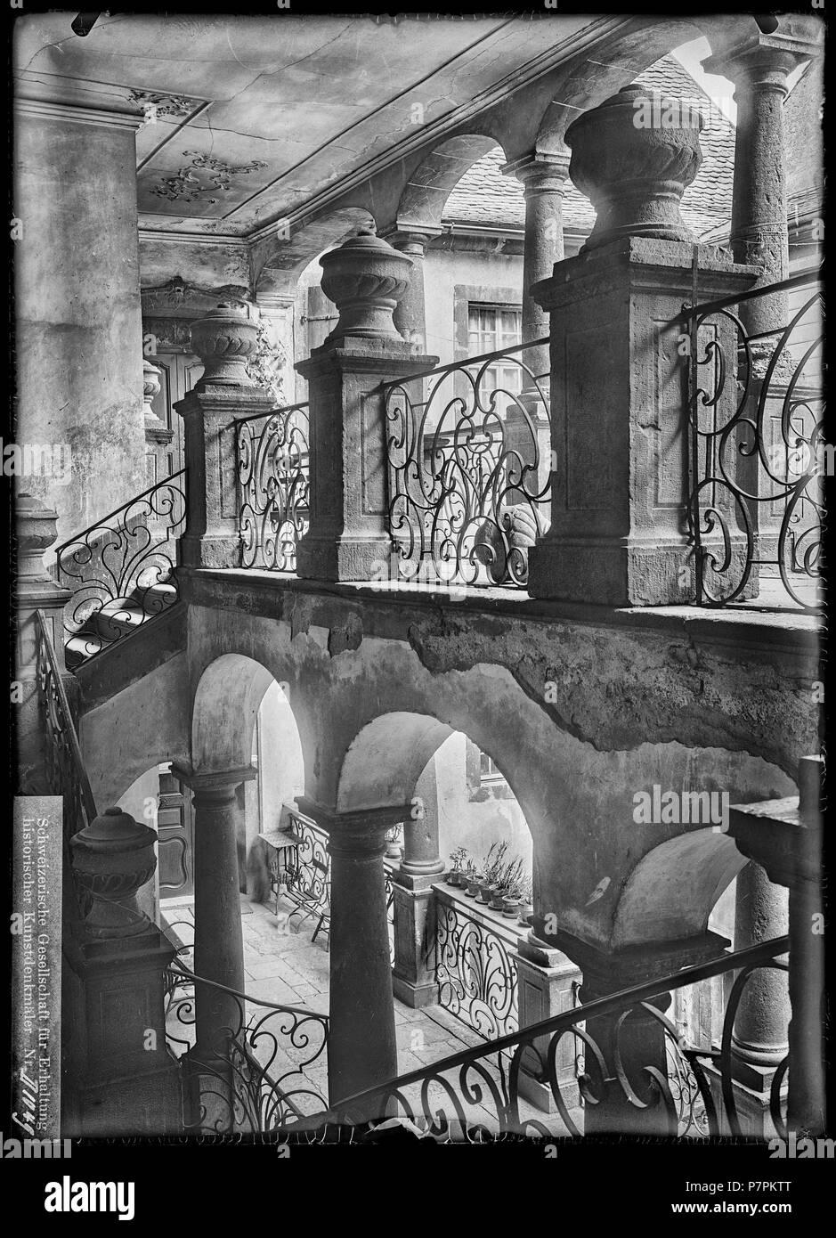 Escalier Dans La Maison saint-maurice, maison de la pierre, escalier, vue partielle