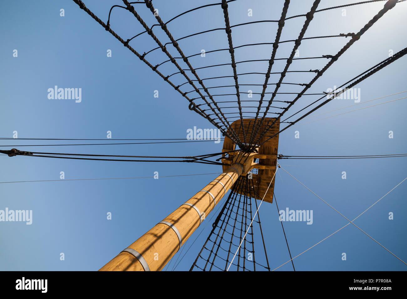 Sailing Mast Stock Photos & Sailing Mast Stock Images - Alamy