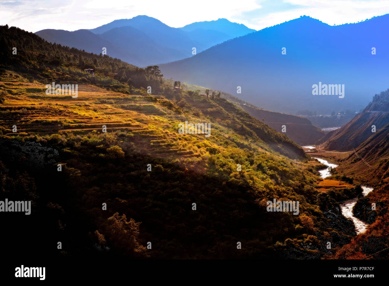 The mountain drive from Thimphu to Punakha through the Himalayan foothills of Bhutan. - Stock Image