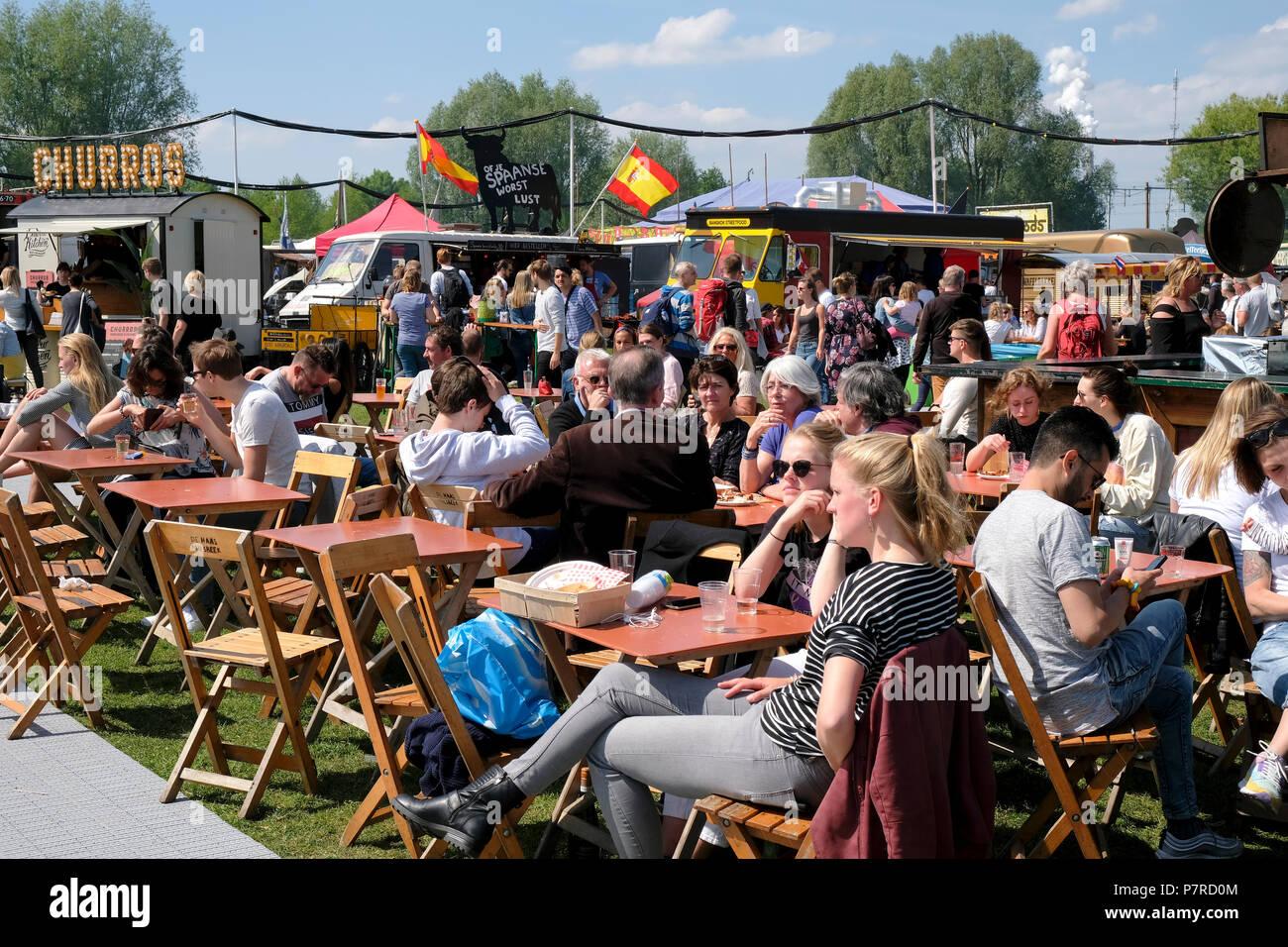 De Rollende Keukens : Food festival de rollende keukens the rolling kitchens in