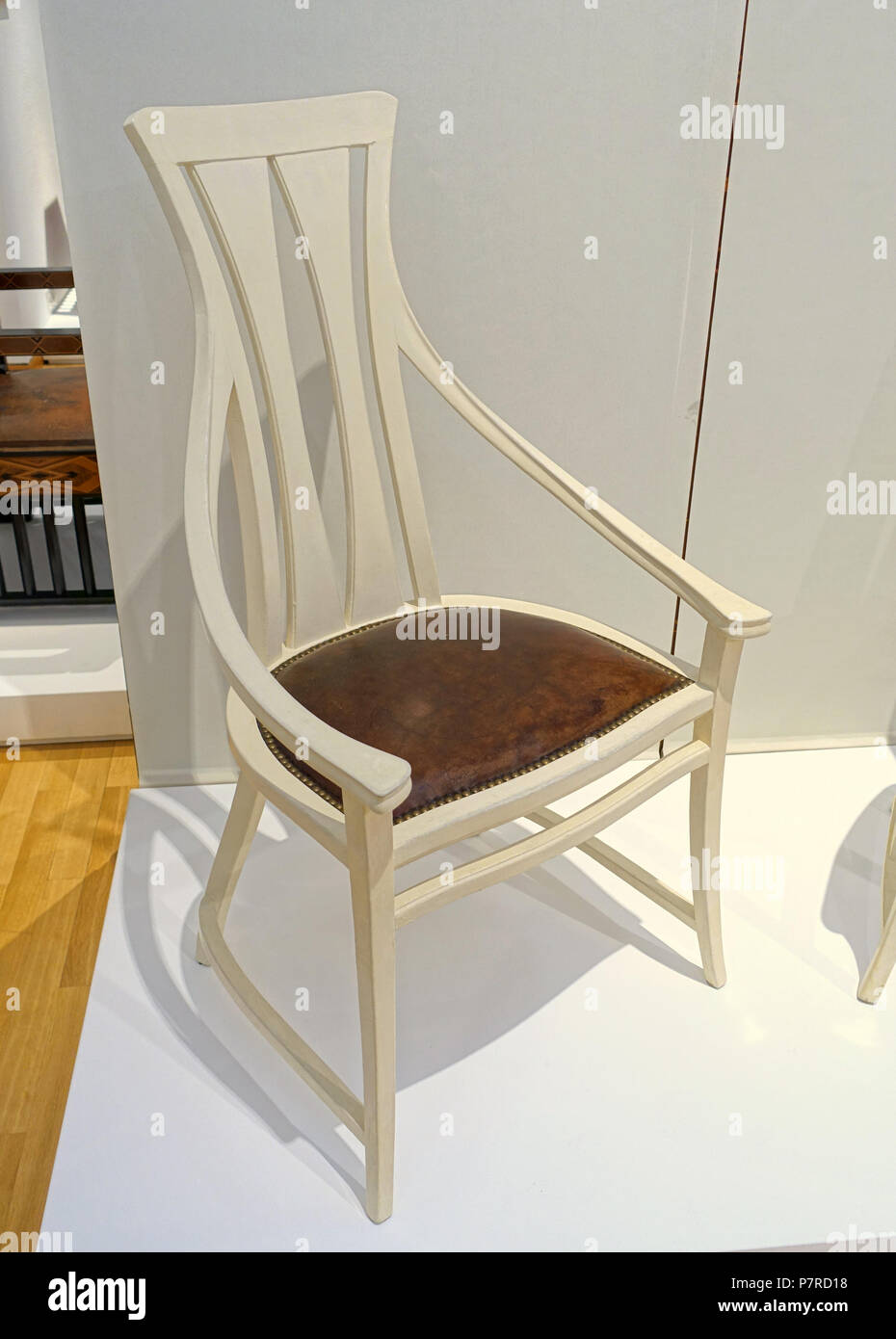 133 Dining room chair, Behrens House, designer Peter Behrens, 1900-1901, poplar, leather - Museum Künstlerkolonie Darmstadt - Mathildenhöhe - Darmstadt, Germany - DSC06258 - Stock Image