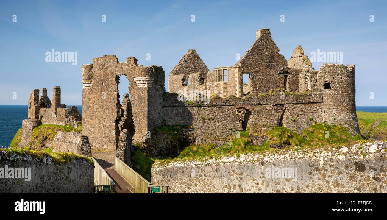 UK, Northern Ireland, Co Antrim, Dunluce Castle, panoramic - Stock Image