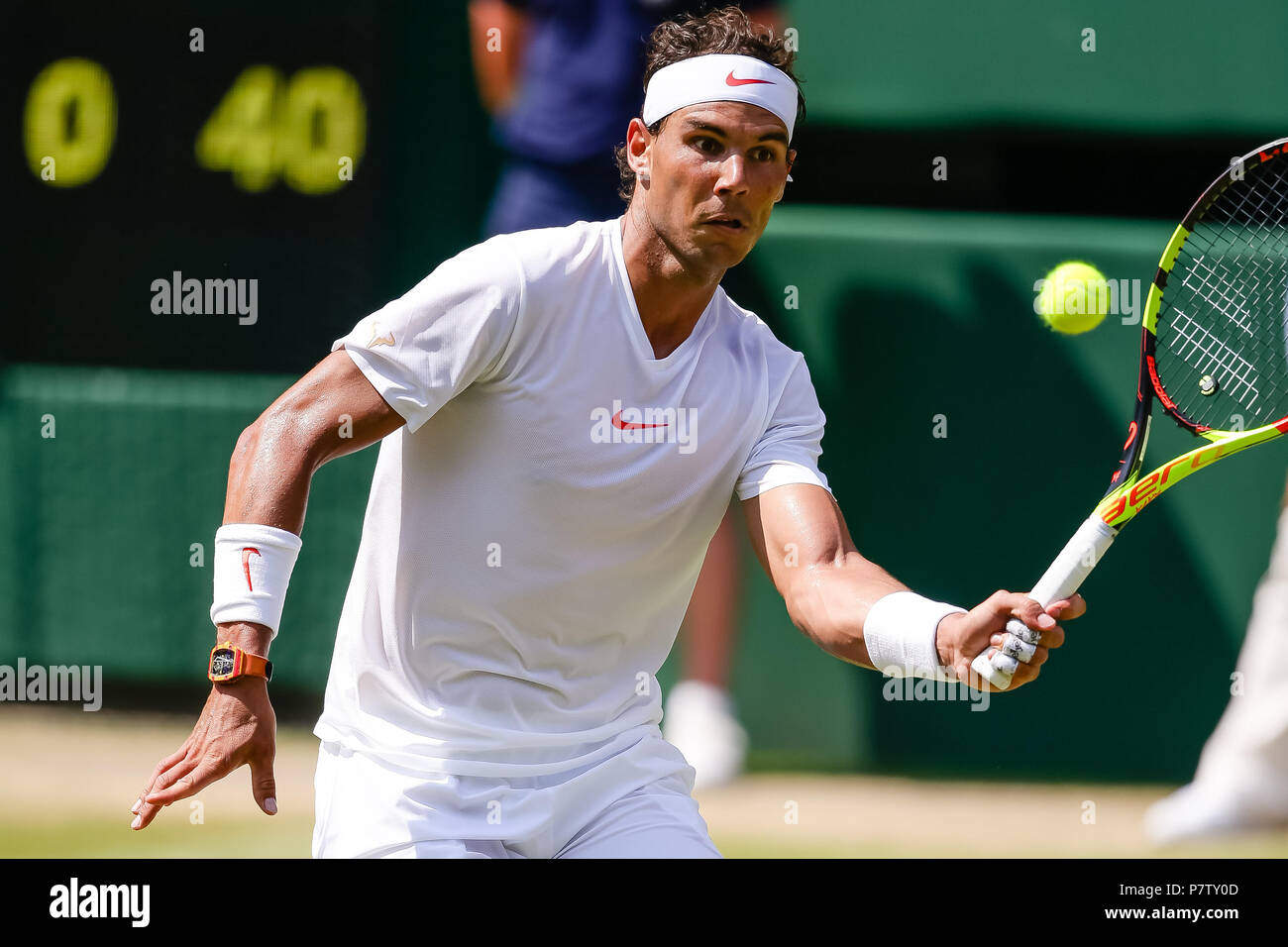 London, UK, 7th July 2018: Rafael Nadal from Spain books his 4th round spot at Day 6 at the Wimbledon Tennis Championships 2018 at the All England Lawn Tennis and Croquet Club in London. Credit: Frank Molter/Alamy Live news Stock Photo