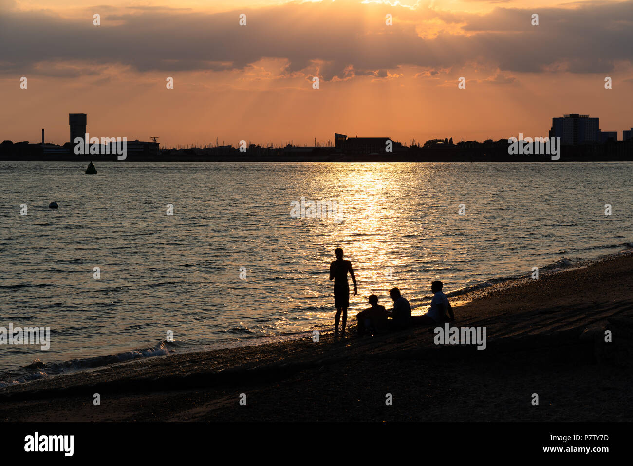 Portsmouth, UK. 6 July 2018. A beautiful evening being enjoyed by so many people along the Southsea seafront in England, with temperatures soaring into the 30's for a number of days - Heatwave 2018 Credit: Nick Lewis Photography/Alamy Live News Stock Photo