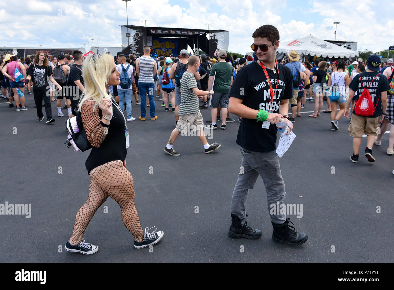 San Antonio, USA. 7th July 2018. Cody Huber turns to look at Jenna Bennett during the Vans Warped Tour June 7, 2018 in San Antonio, Texas. Credit: Robin Jerstad/Alamy Live News - Stock Image