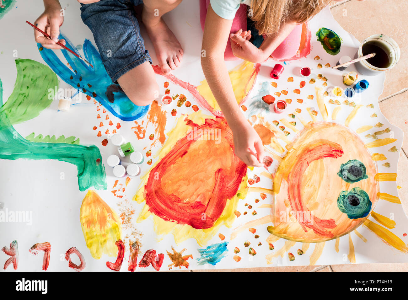 0f7043ce3 Kids Painting Stock Photos & Kids Painting Stock Images - Alamy