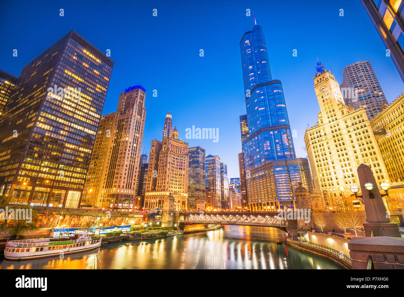 Chicago, Illinois, USA cityscape on the river at twilight. - Stock Image