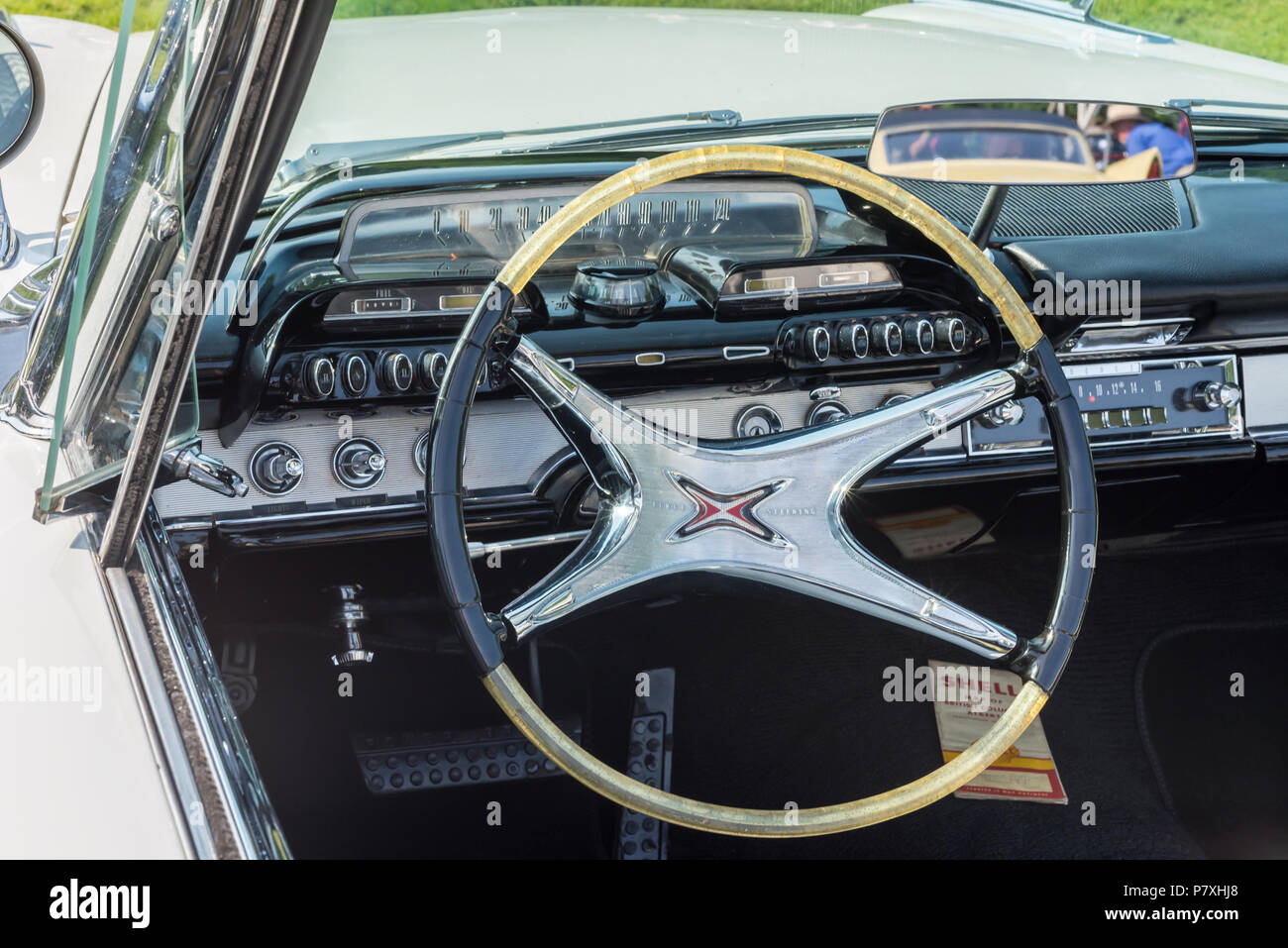 GROSSE POINTE SHORES, MI/USA - JUNE 17, 2018: Close-up of a 1960 Dodge Polara dashboard with push button transmission at the EyesOn Design show. - Stock Image