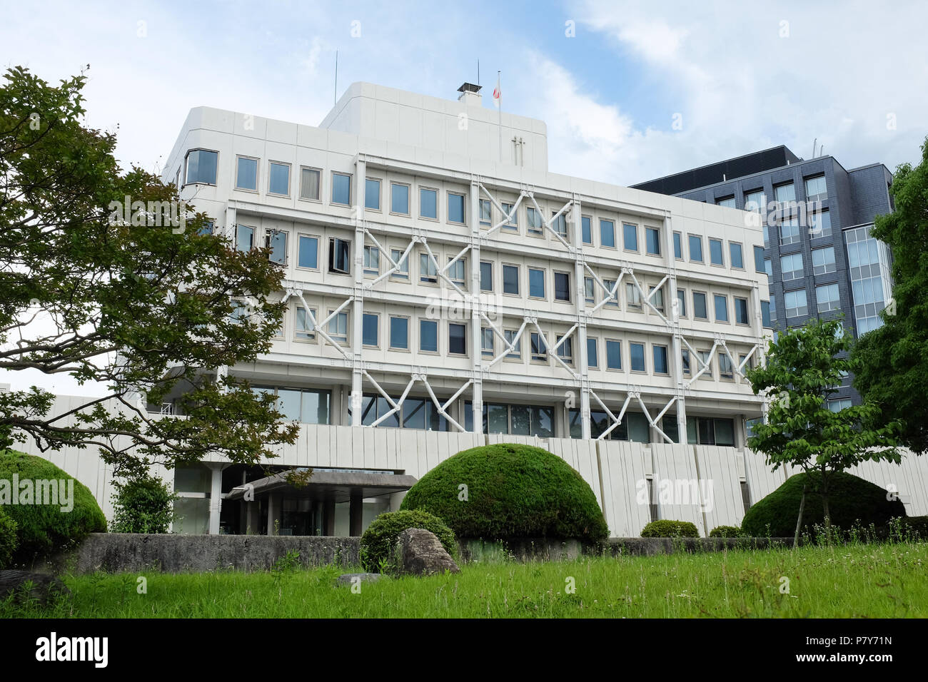 A building in Japan that's designed to withstand earthquakes. - Stock Image
