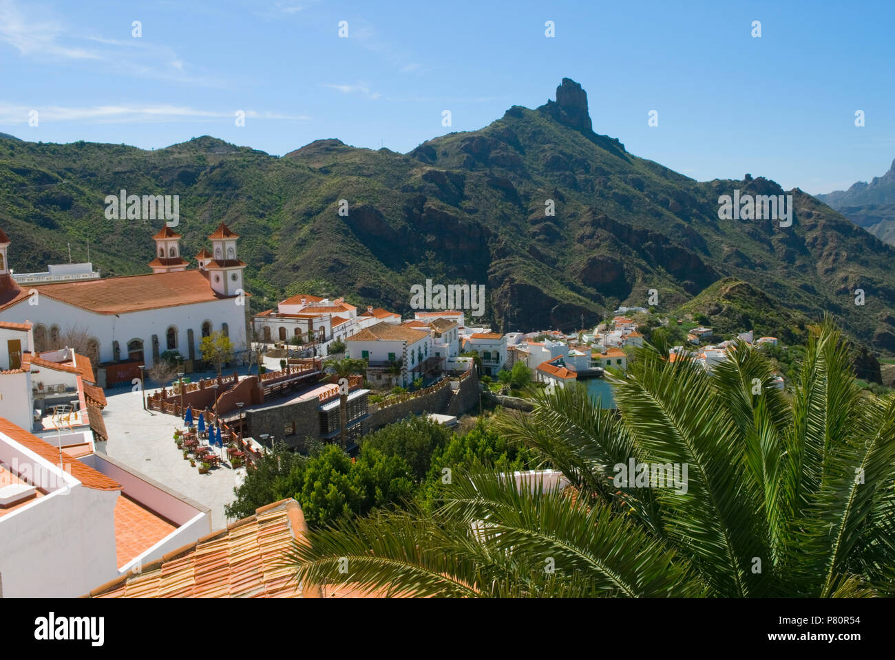 View over Tejeda and Roque Bentayga in centre of island of Gran Canaria, Canary Islands, Spain - Stock Image