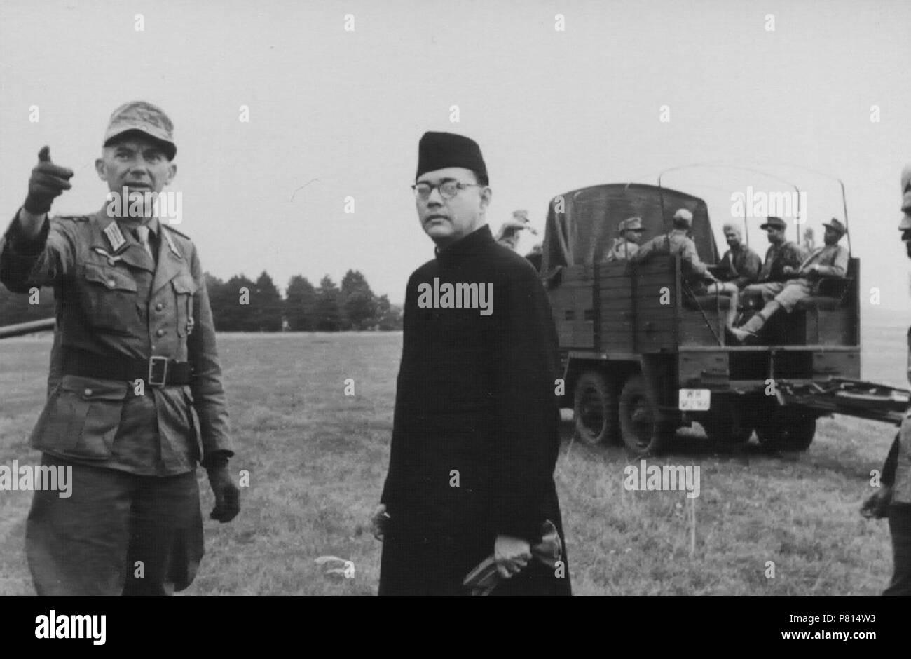 English: Subhas Chandra Bose in Germany . between 1930 and 1945 358 Subhas Chandra Bose in Germany (2) - Stock Image