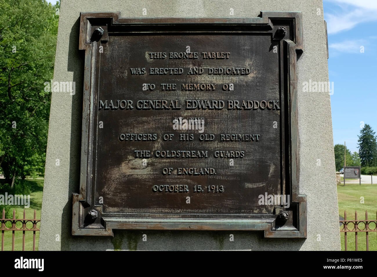 Plaque on Grave of Major General Edward Braddock in Farmington, Pennsylvania - Stock Image