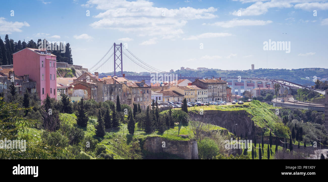 Lisbon, Portugal, Panorama mit Ponte 25. do Abril - Stock Image