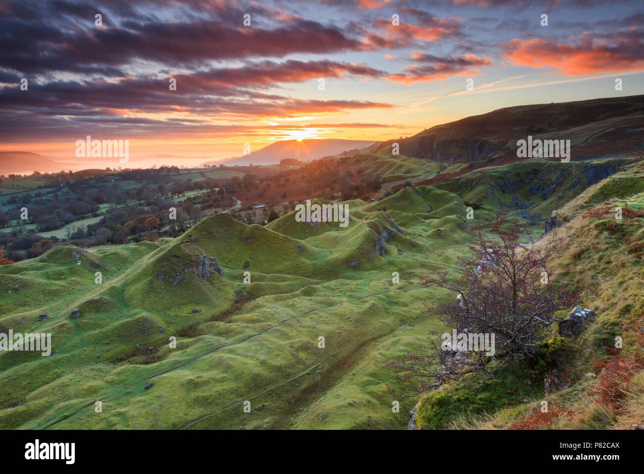 Sunrise at the Llangattock Escarpment in the Brecon Beacons National Park. Stock Photo