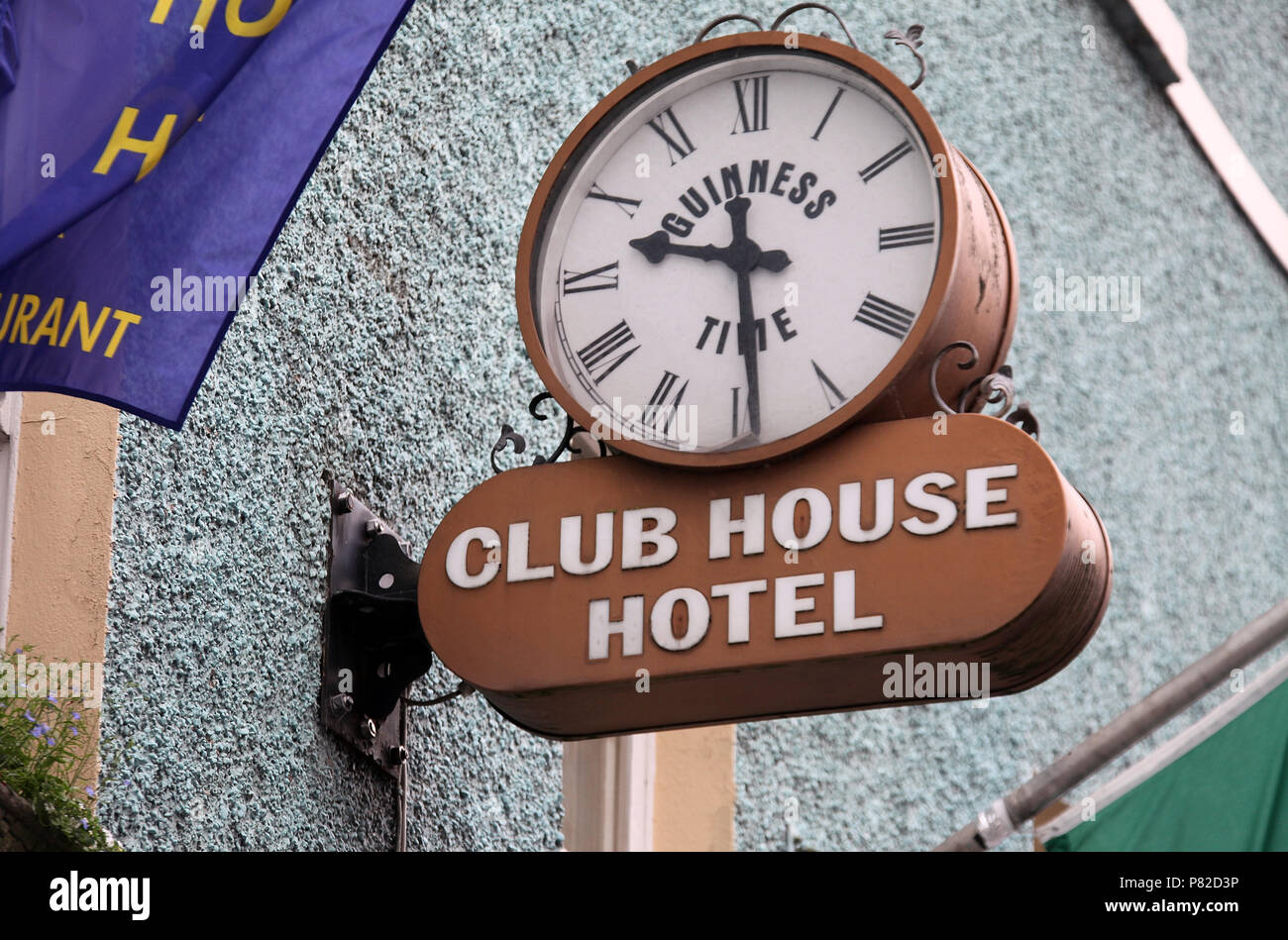 Guinness Time Clock on the Club House Hotel in Kilkenny Stock Photo