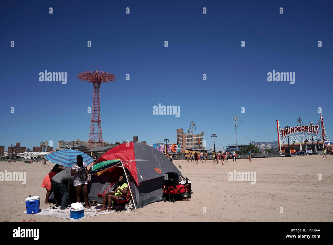 New York, New York, USA. 7th July, 2018. tent with parachute jump ...