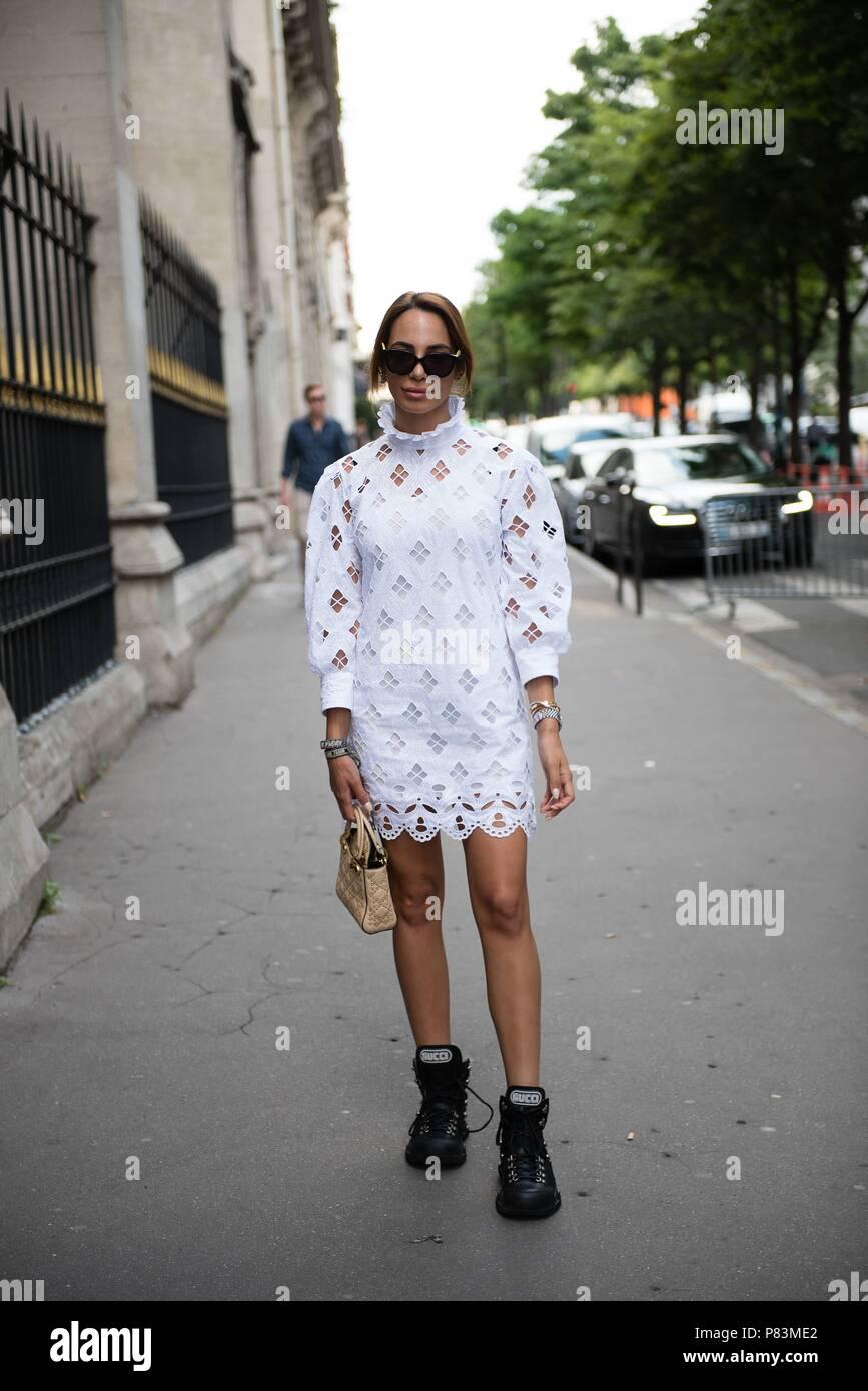 Designer El Paris | Designer Zeynab El Helw Posing On The Street Before The Liu Chao