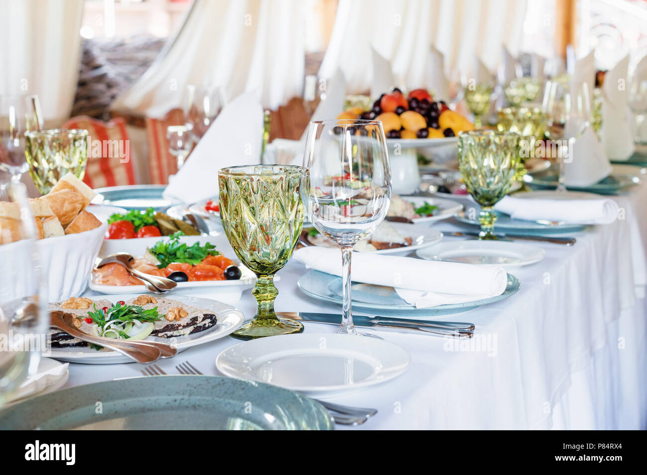 Table Decorations For Holidays And Wedding Dinner Table Set For