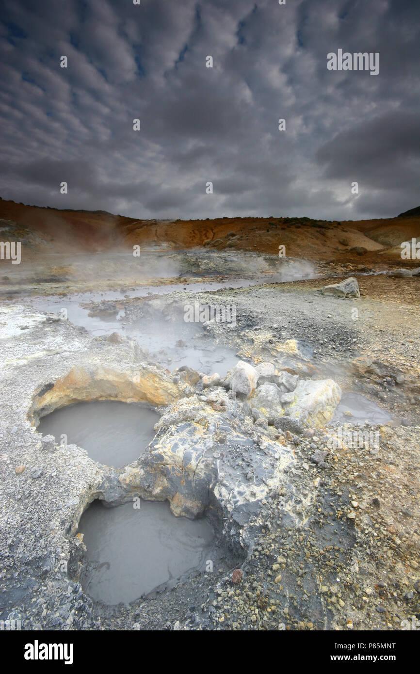 Vulkanisch actief gebied bij Krysuvik; Geothermal area at Krysuvik Stock Photo