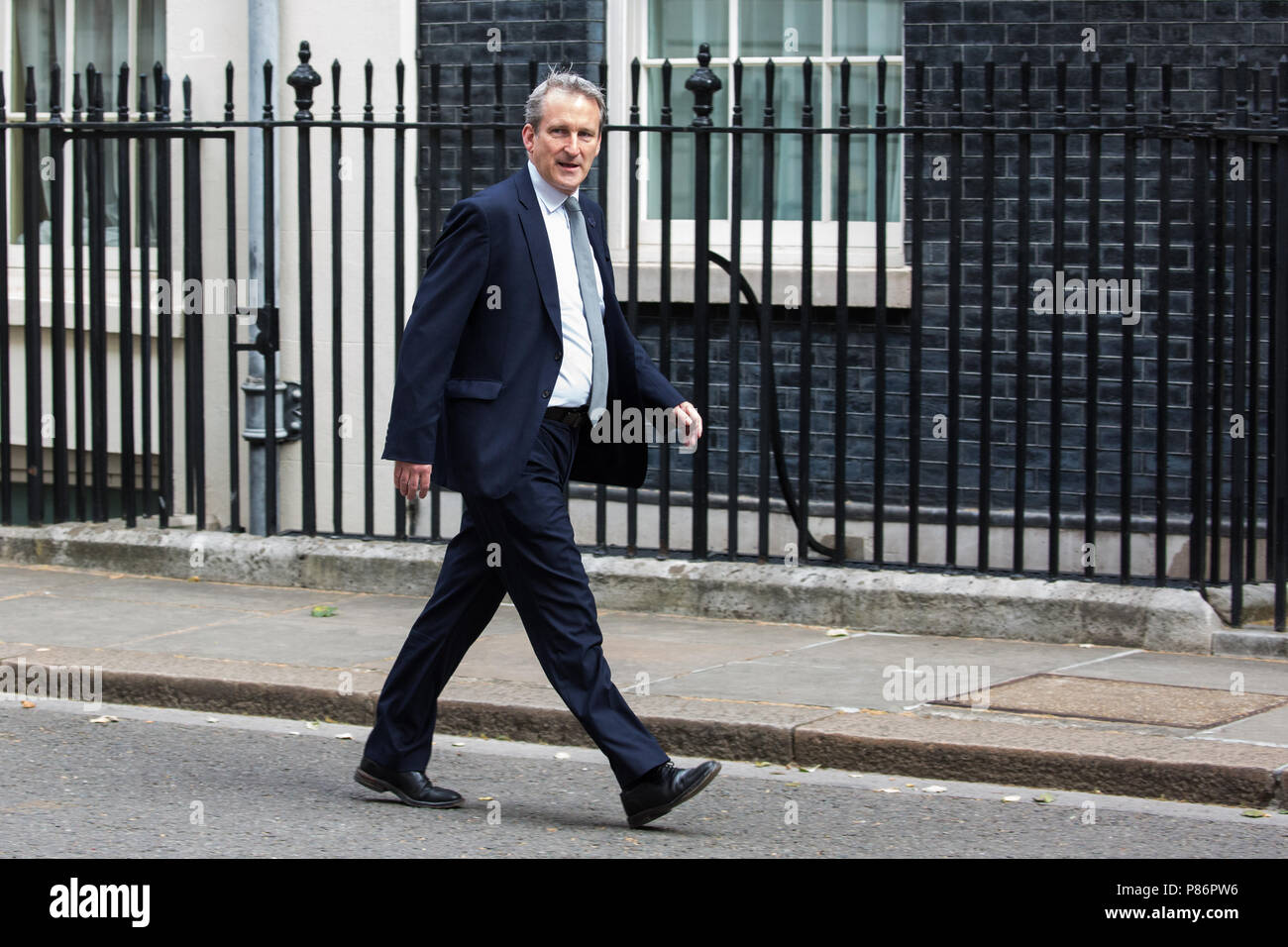 London, UK. 10th July, 2018. Damian Hinds MP, Secretary of State for Education, arrives at 10 Downing Street for the first Cabinet meeting since the resignations as Ministers of David Davis MP and Boris Johnson MP. Credit: Mark Kerrison/Alamy Live News - Stock Image