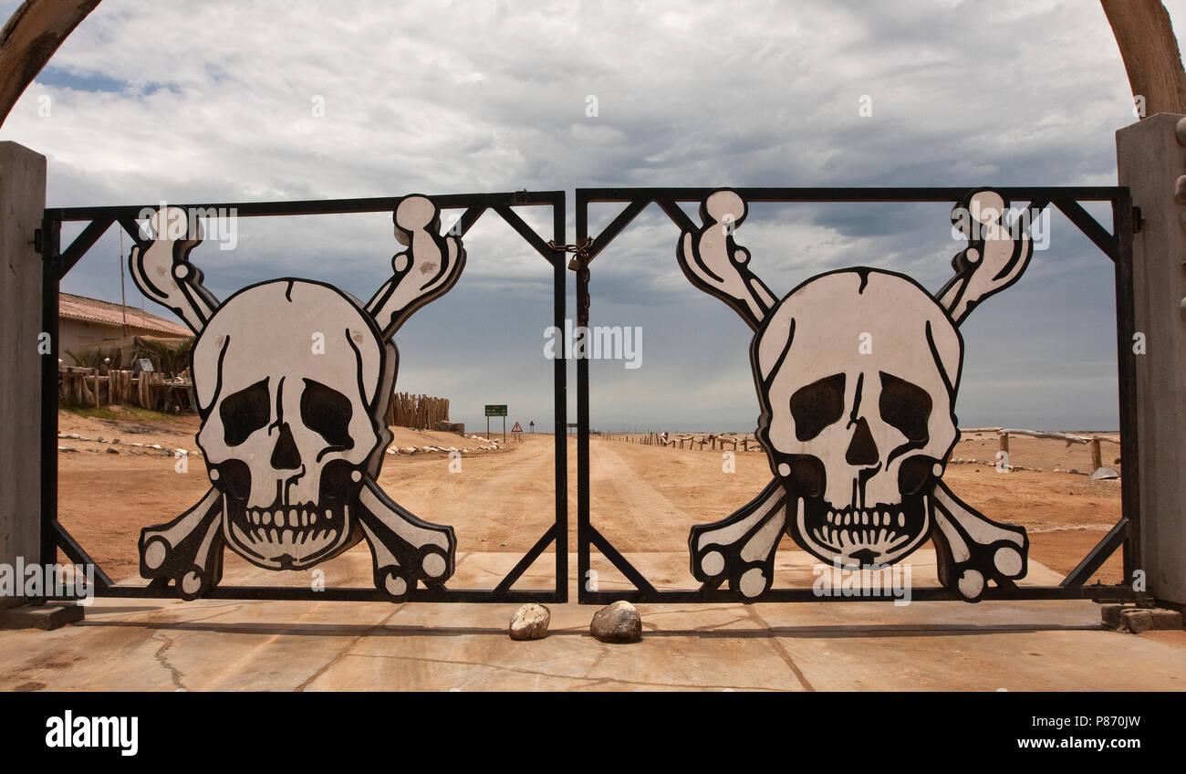 Toegangs hek van Skeleton Coast Namibie, Gate at Skeleton Coast Namibia - Stock Image