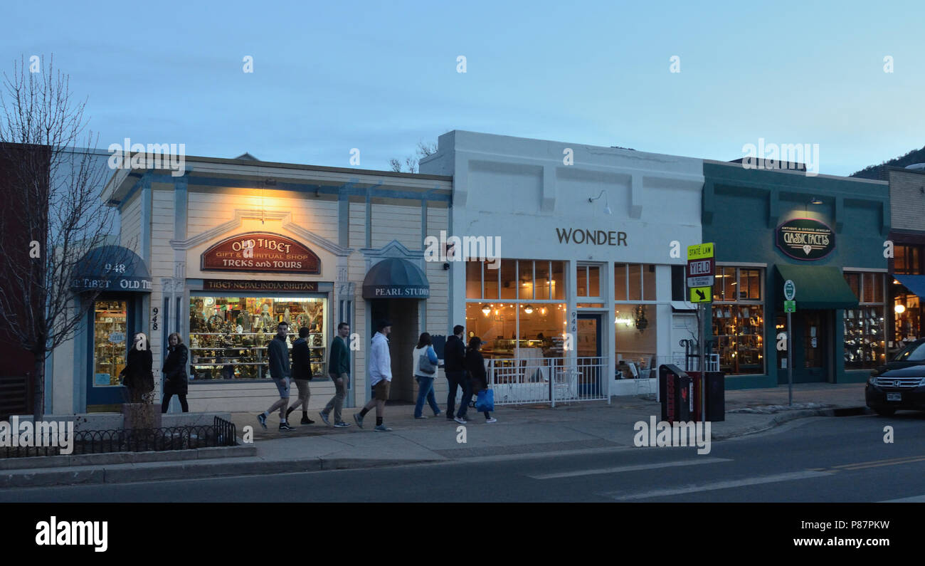 Pearl St Boulder Stock Photos & Pearl St Boulder Stock Images - Alamy