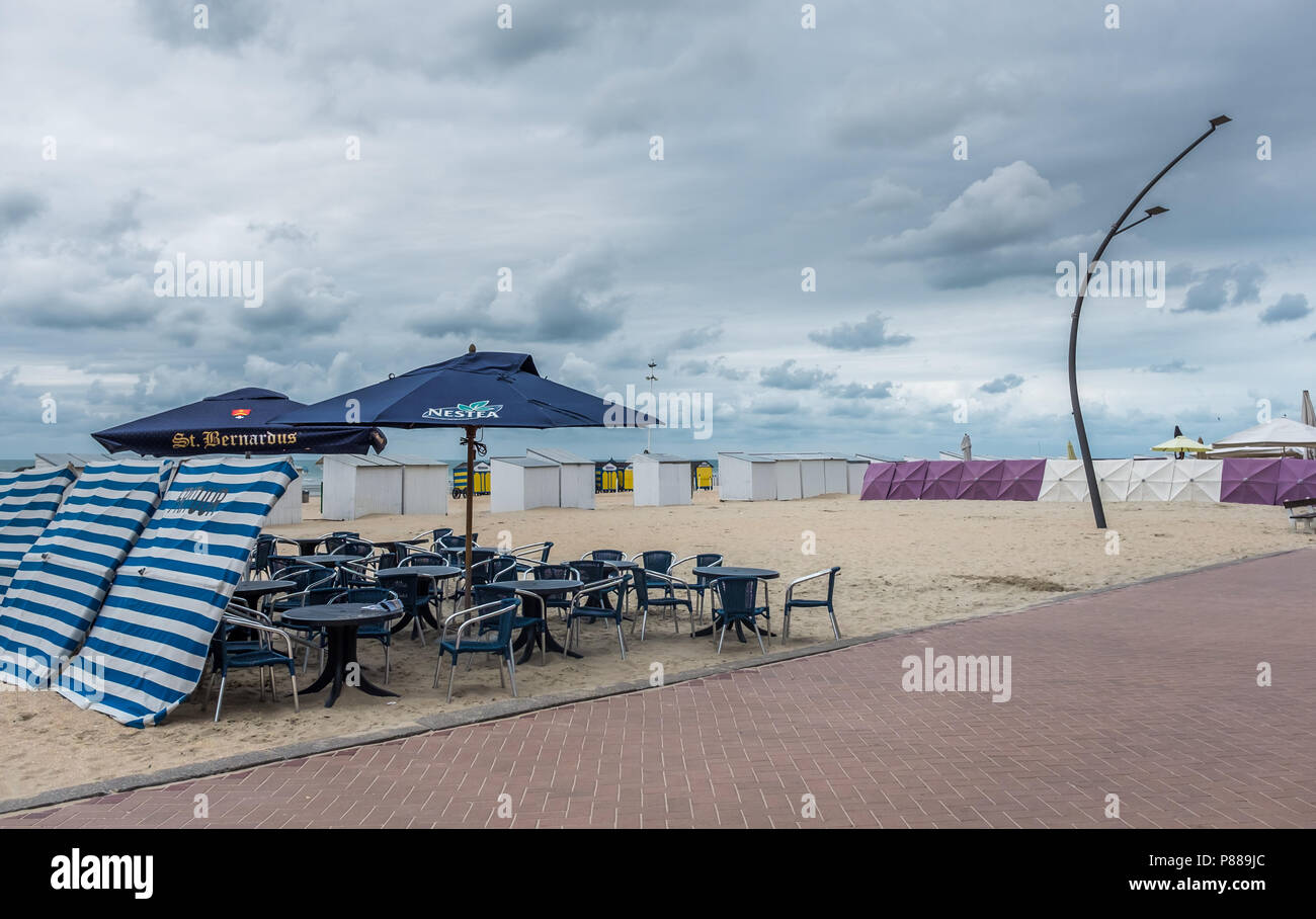 Cafe on the beach of De Panne, Sunday 23 July 2017, De Panne, Belgium. Stock Photo