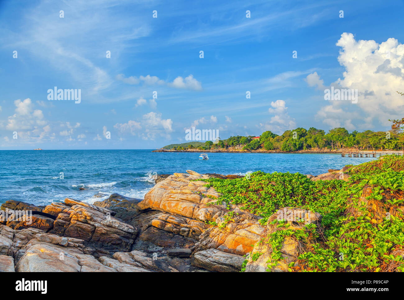 Sunrise over the island of Koh Samet in Thailand. - Stock Image