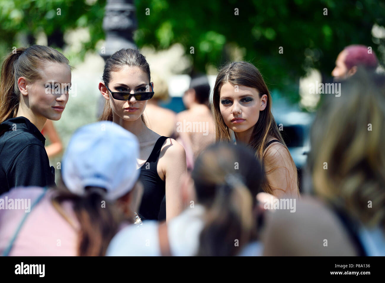 Models off duty - StreetStyle at CHANEL - Paris Fashion Week Haute Couture 2018/2019 - Paris - France - Stock Image