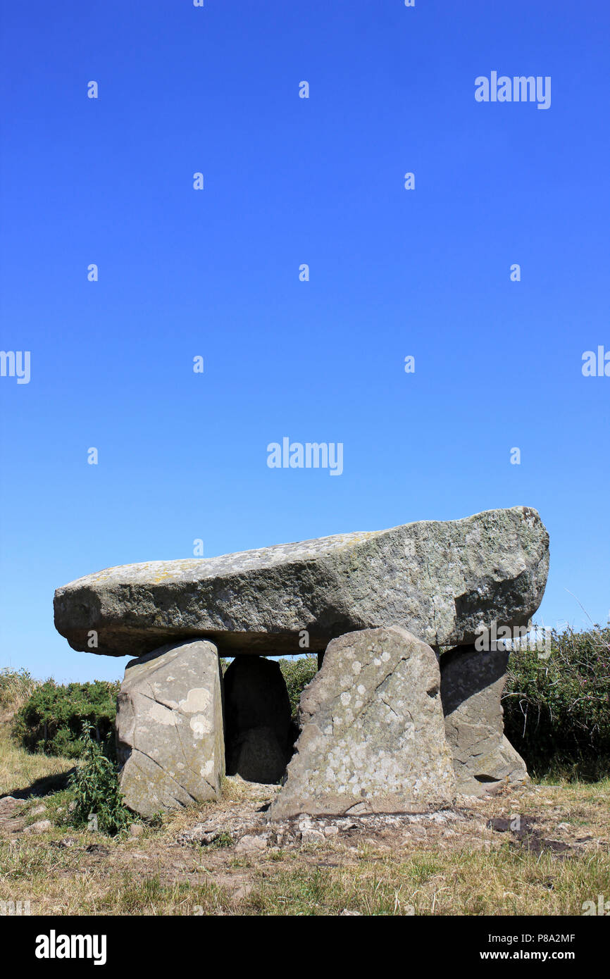 Ty Newydd Burial Chamber, Llanfaelog, Isle of Anglesey, Wales - Stock Image