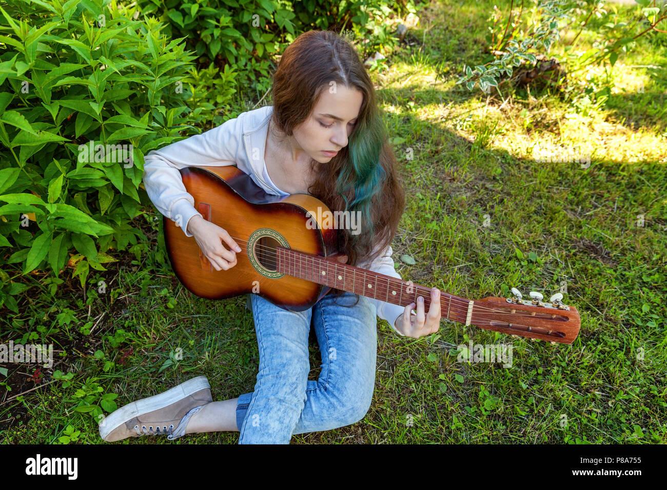 Teen girl teen girl musician ohio bachelor