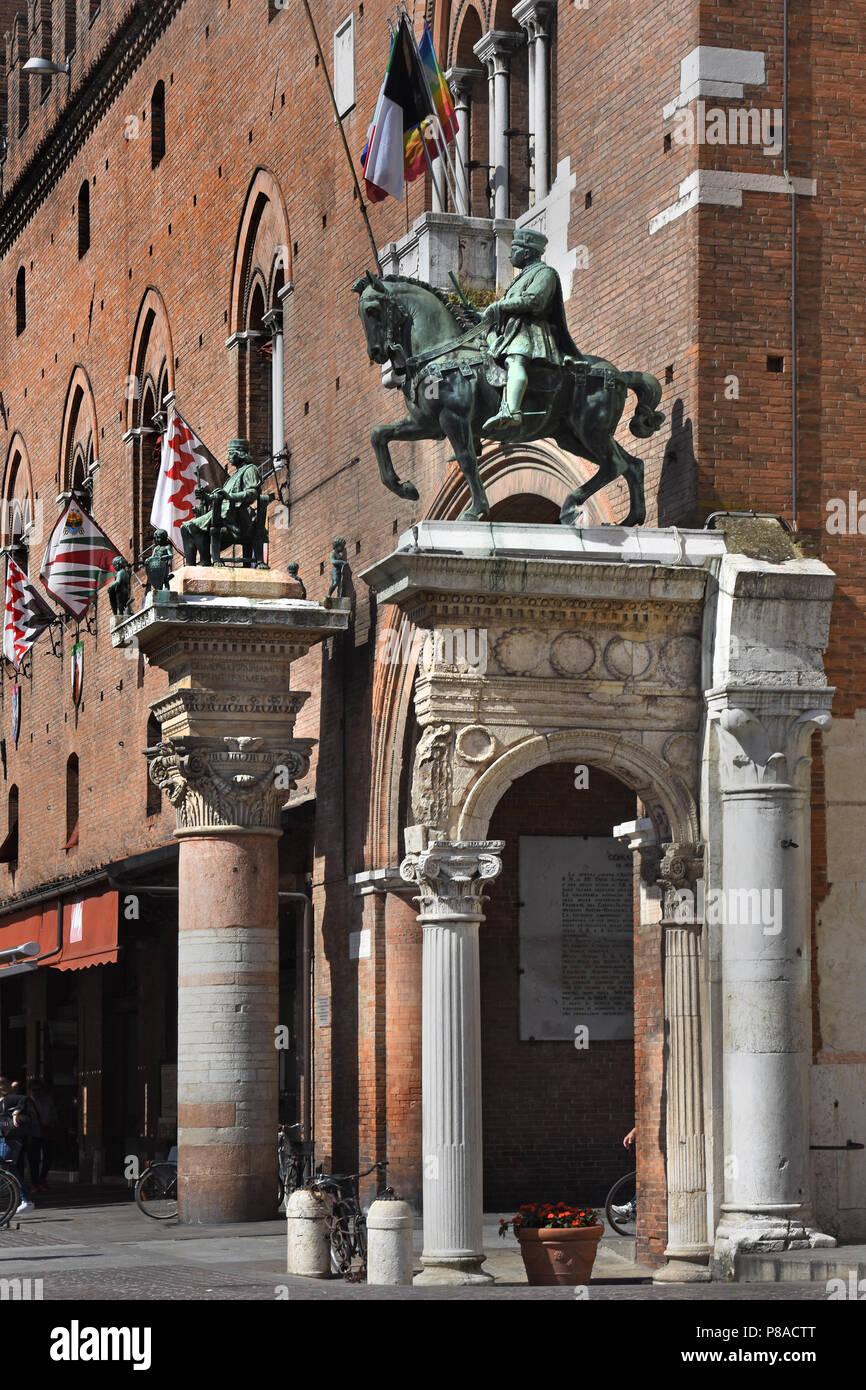 Statue of Marquis Niccolo III d'Este and Borso d'Este, Duke of Ferra, at Palazzo Municipale on Corso Martiri della Libertà and Ferrara Town Hall, Ferrara ( Emilia-Romagna ) , northern Italy, capital Province of Ferrara, Italian. - Stock Image