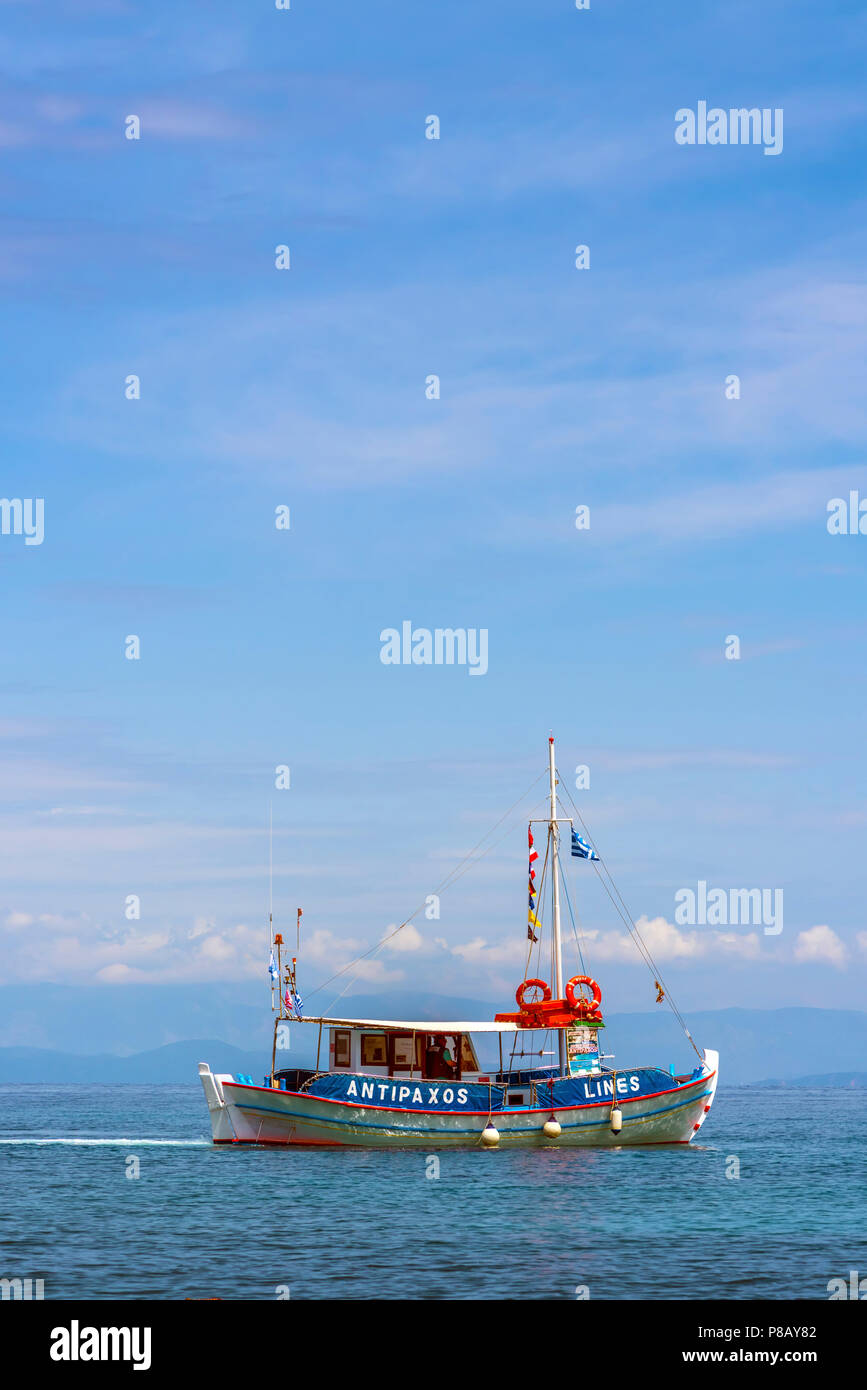 Taxi Boat to Anti-Paxos from Loggos, Paxos. - Stock Image