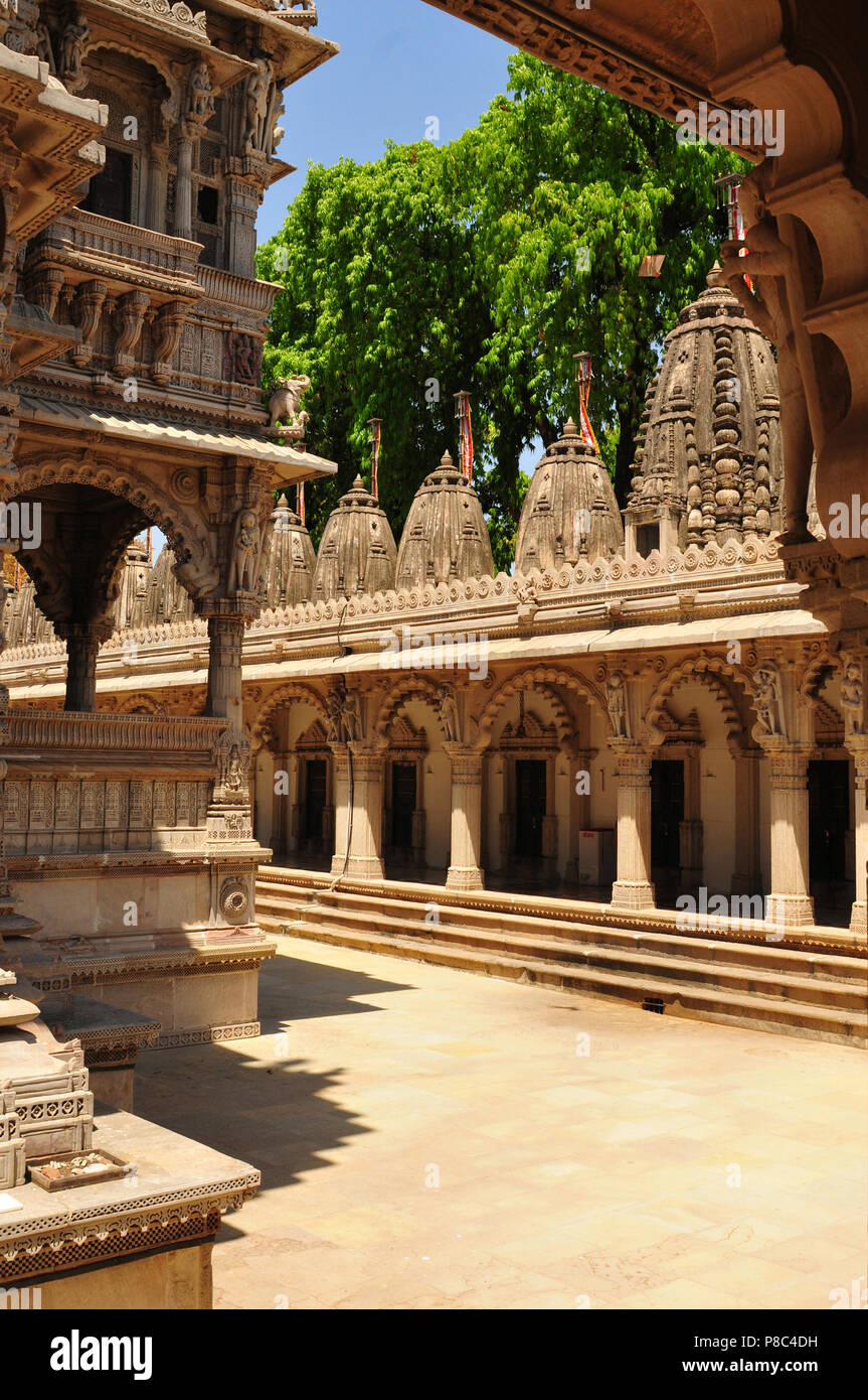 Gujarat: The Jain-Hindu Temple Panchasara in Ahmedabad-City - Stock Image
