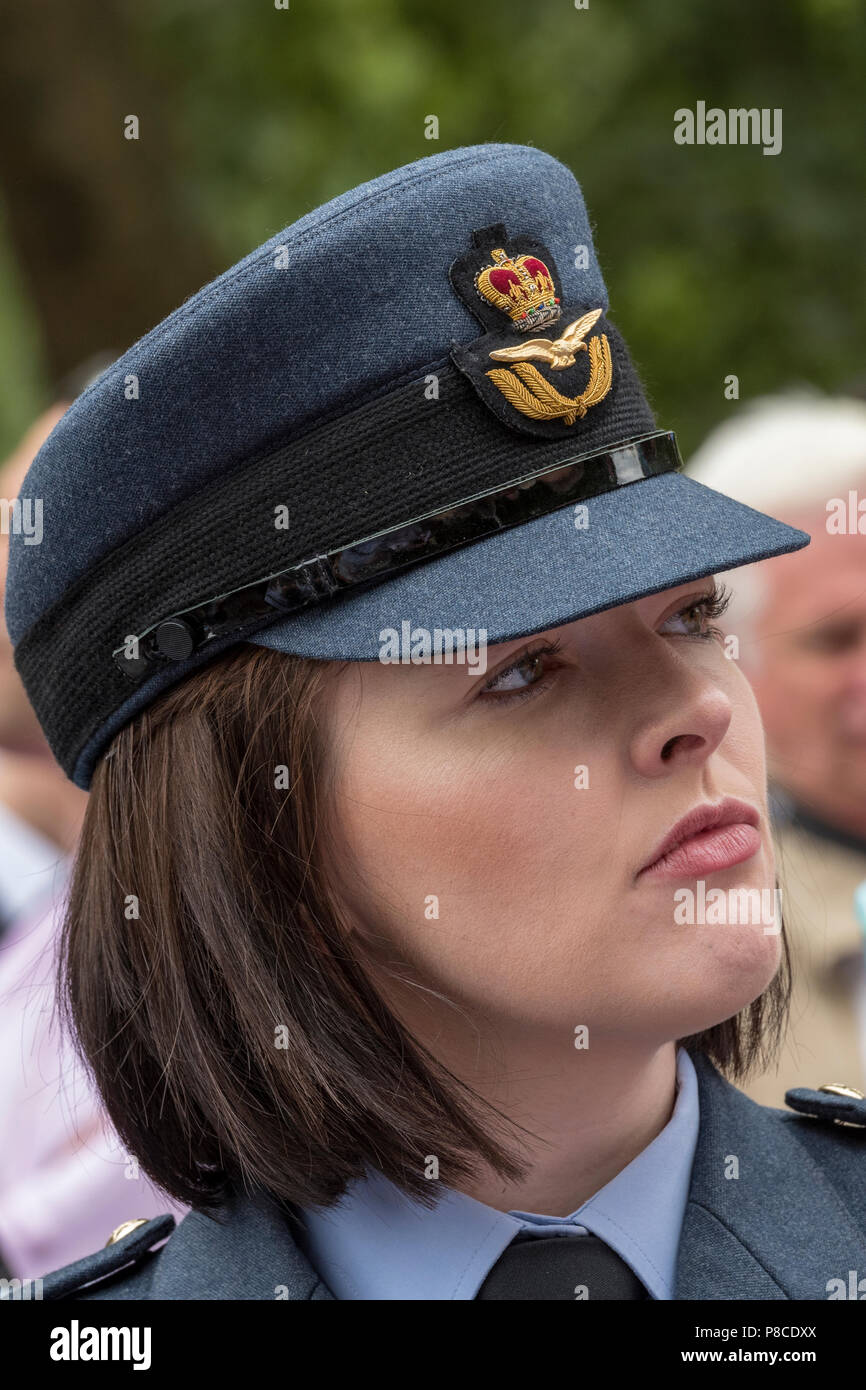 Women In Armed Forces Stock Photos & Women In Armed Forces Stock ...