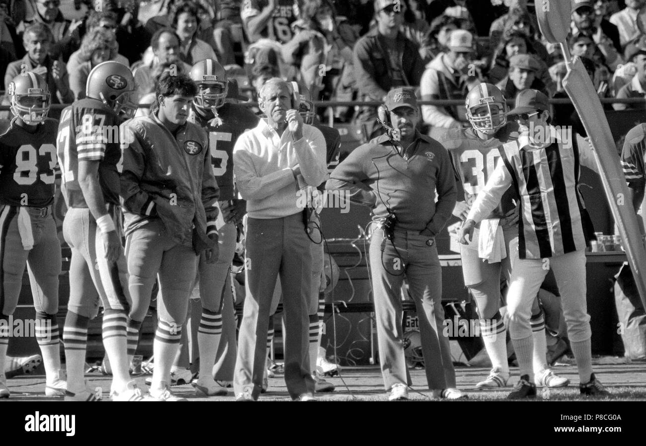 San Francisco, California, USA. 18th Nov, 1984. San Francisco 49ers vs. Tampa Bay Buccaneers at Candlestick Park Sunday, November 18, 1984. 49ers beat the buccaneers 24-17. 49ers Head Coach Bill Walsh on sidelines. Credit: Al Golub/ZUMA Wire/Alamy Live News Stock Photo