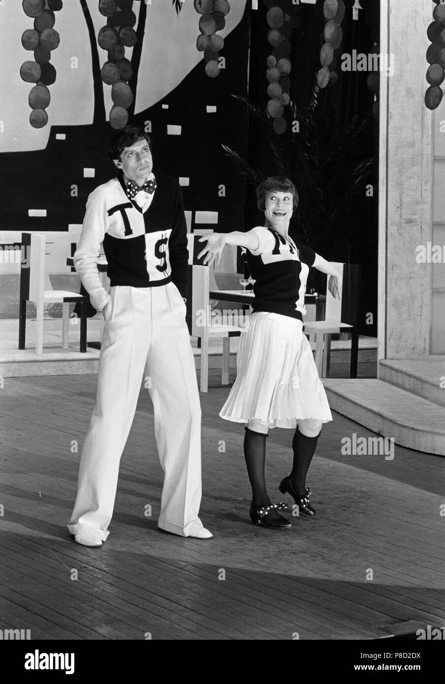 The Boyfriend (1971) Tommy Tune, Antonia Ellis,     Date: 1971 - Stock Image