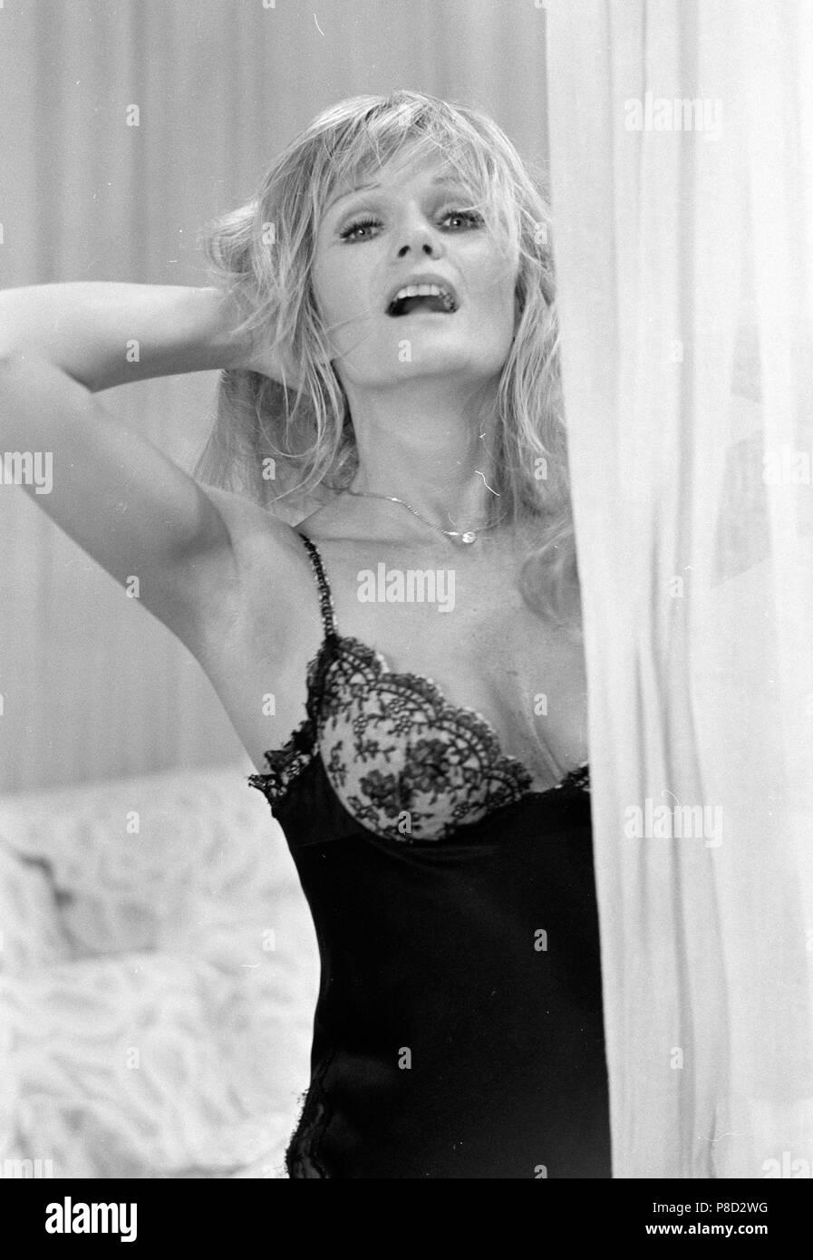 Valerie Perrine naked (26 gallery), hot Boobs, Instagram, lingerie 2018