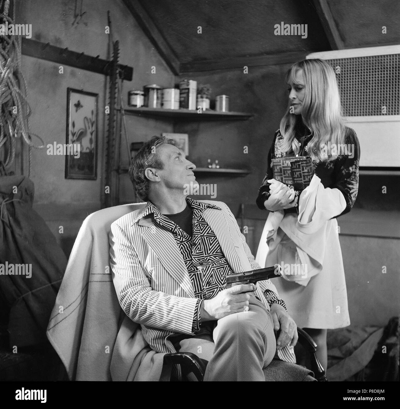 Fear is the Key (1972) Dolph Sweet, Suzy Kendall,     Date: 1972 - Stock Image