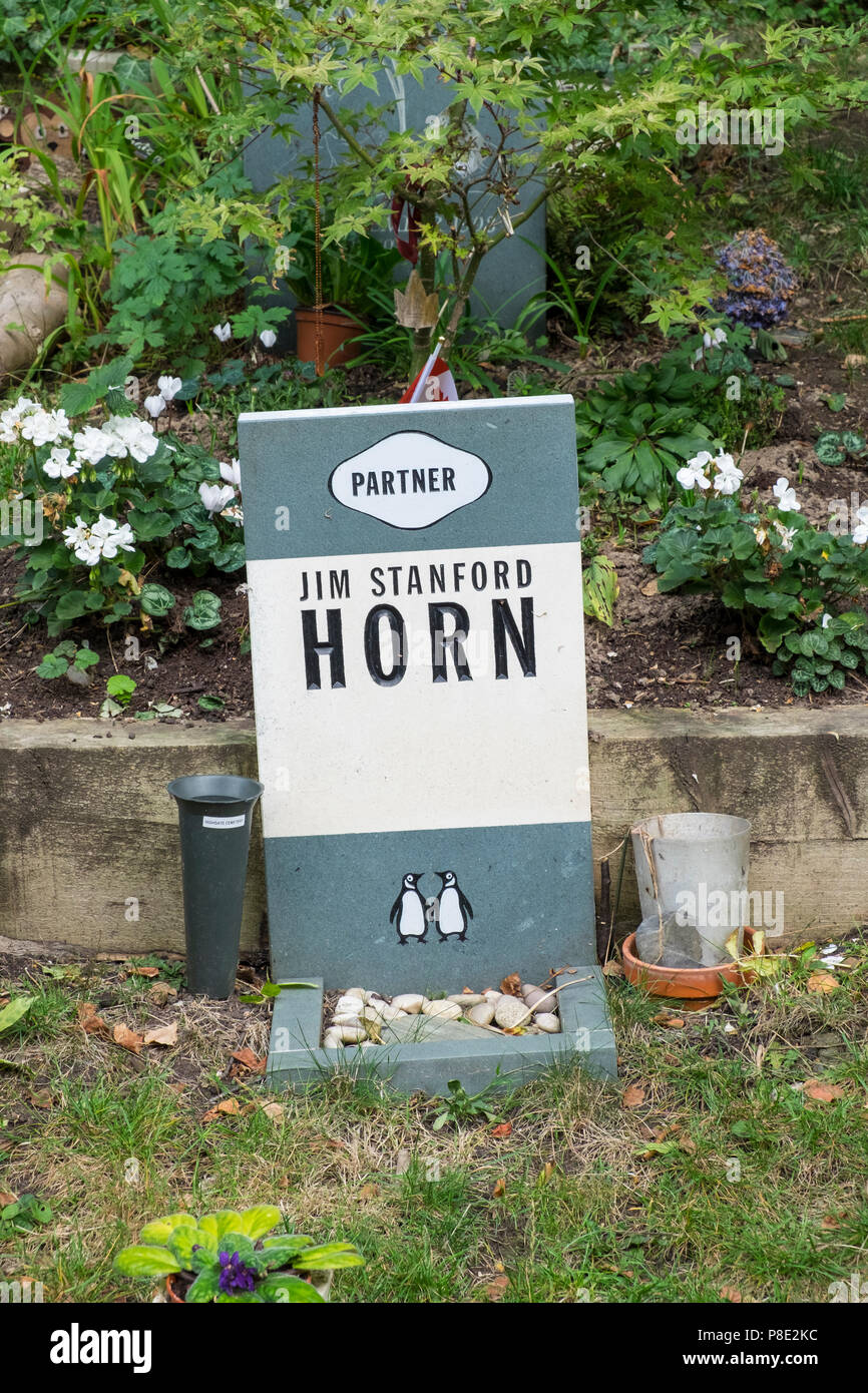 Jim Stanford Horn grave, Highgate Cemetery, London. - Stock Image