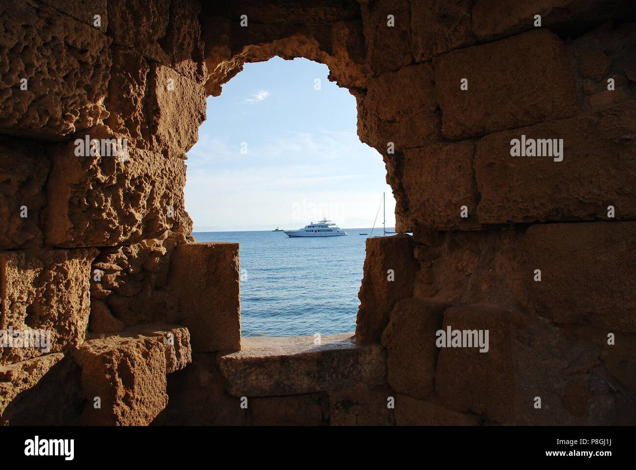 Stone Wall Sea Defence Stock Photos Amp Stone Wall Sea
