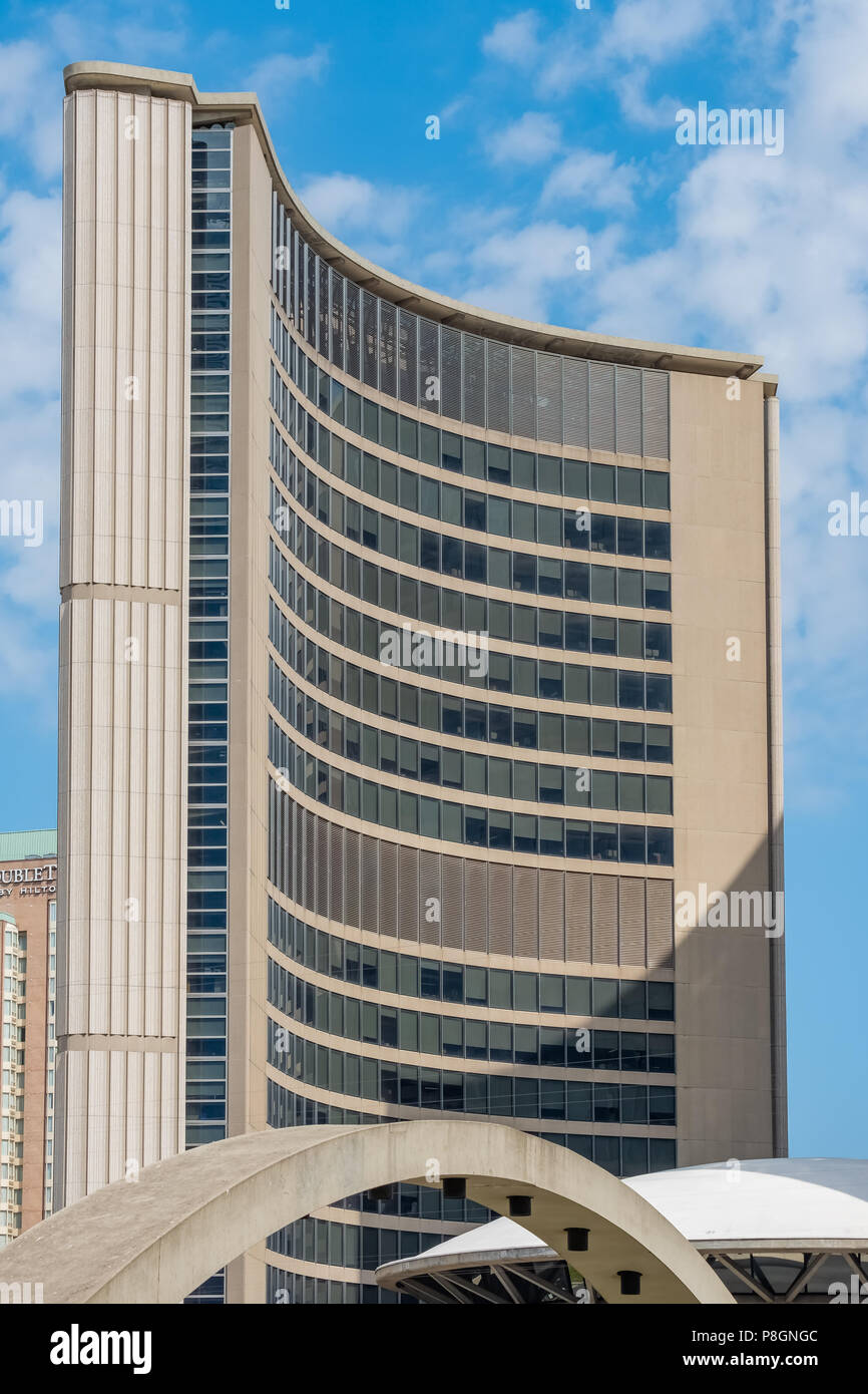 Designed by Viljo Revell and built in 1965, Toronto City hall is one of the city's most distinctive landmarks. - Stock Image