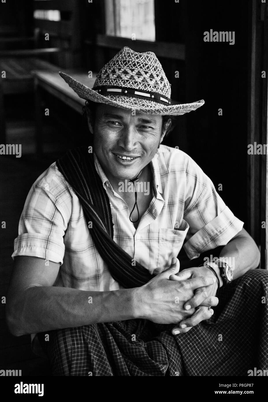 The boatman So - INLE LAKE, MYANMAR - Stock Image